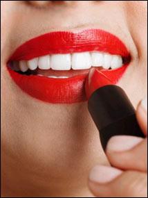 labio rojo diente blanco Missenplis