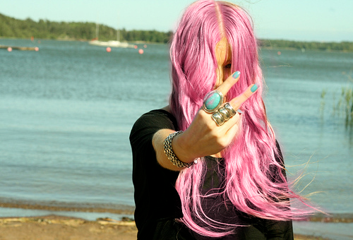 chica pelo rosa playa babette Missenplis
